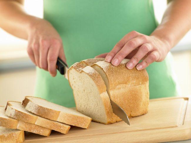 чистка хлебом